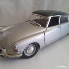 Coches a escala: CITROEN DS 19 1963 SÓLIDO ESCALA 1/18. Lote 88964180