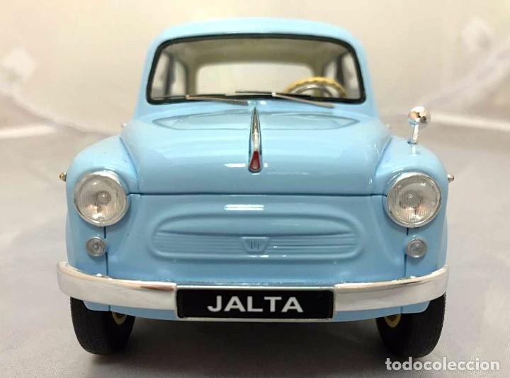 Coches a escala: Zaporozhets Zaz 965AE Jalta 1965 escala 1/18 de Premium Scale Models - Foto 5 - 97958627