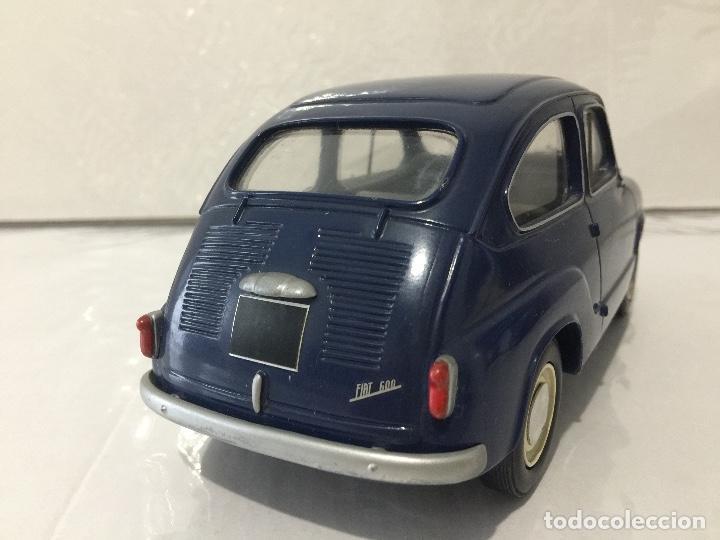 Coches a escala: FIAT 600 MAMONE ESCALA 1/18 SEAT 600 - Foto 4 - 103833899