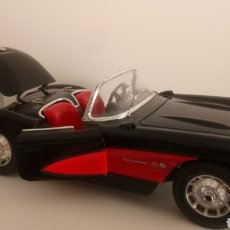Coches a escala: CHEVROLET CORVETTE 1957. BURAGO. ESCALA 1/18.. Lote 121090991