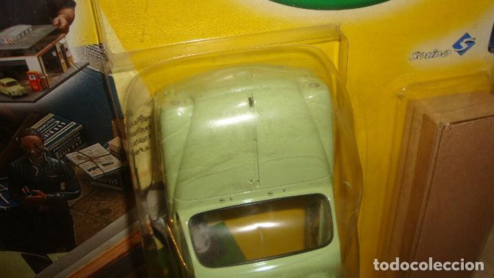 Coches a escala: CARROCERÍA SEAT 600 D COLECCION - MI QUERIDO TALLER MECANICO - SOLIDO SALVAT ESCALA 1/18 - Foto 4 - 122973007