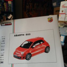 Coches a escala: MONDO MOTORS - FIAT ABARTH 500 1/18. Lote 128429351