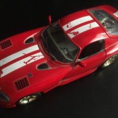 Coches a escala: VIPER DODGE GTS COUPE BURAGO 1/18 ROJO. Lote 131110128