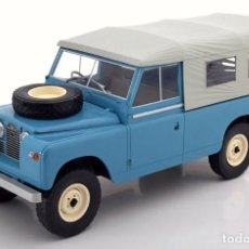 Voitures à l'échelle: LAND ROVER 109 PICK UP SERIES II CON TOLDO 1959 ESCALA 1/18 DE MCG. Lote 136749990