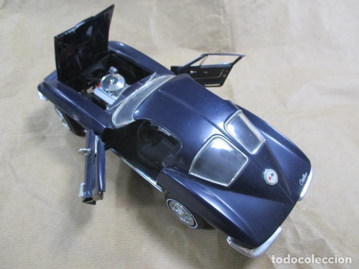 Antiguo coche de metal  ertl  dyersville iowa u - Sold at Auction