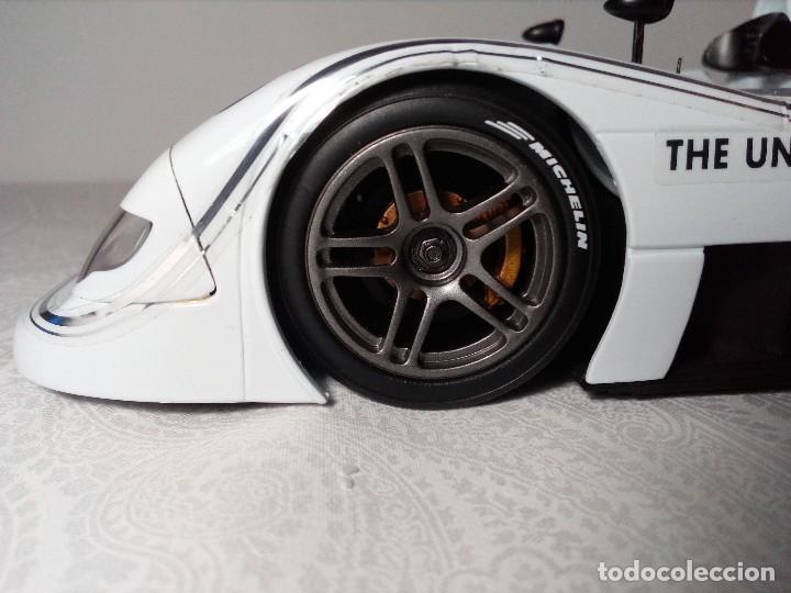 Coches a escala: COCHE BMW V12 LMR. ART CARS. DE KYOSHO AÑO 2000 1/18 (IMPECABLE) EDICIÓN LIMITADA Jenny Holzer - Foto 7 - 148860974