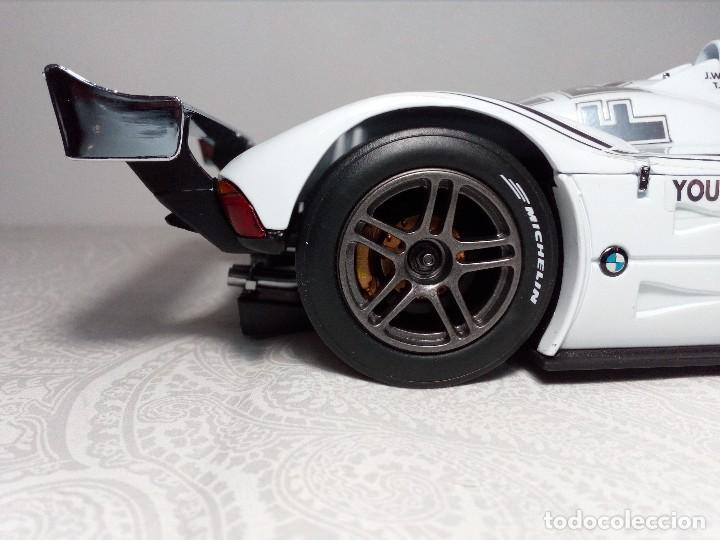 Coches a escala: COCHE BMW V12 LMR. ART CARS. DE KYOSHO AÑO 2000 1/18 (IMPECABLE) EDICIÓN LIMITADA Jenny Holzer - Foto 13 - 148860974