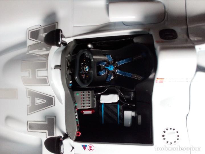 Coches a escala: COCHE BMW V12 LMR. ART CARS. DE KYOSHO AÑO 2000 1/18 (IMPECABLE) EDICIÓN LIMITADA Jenny Holzer - Foto 22 - 148860974