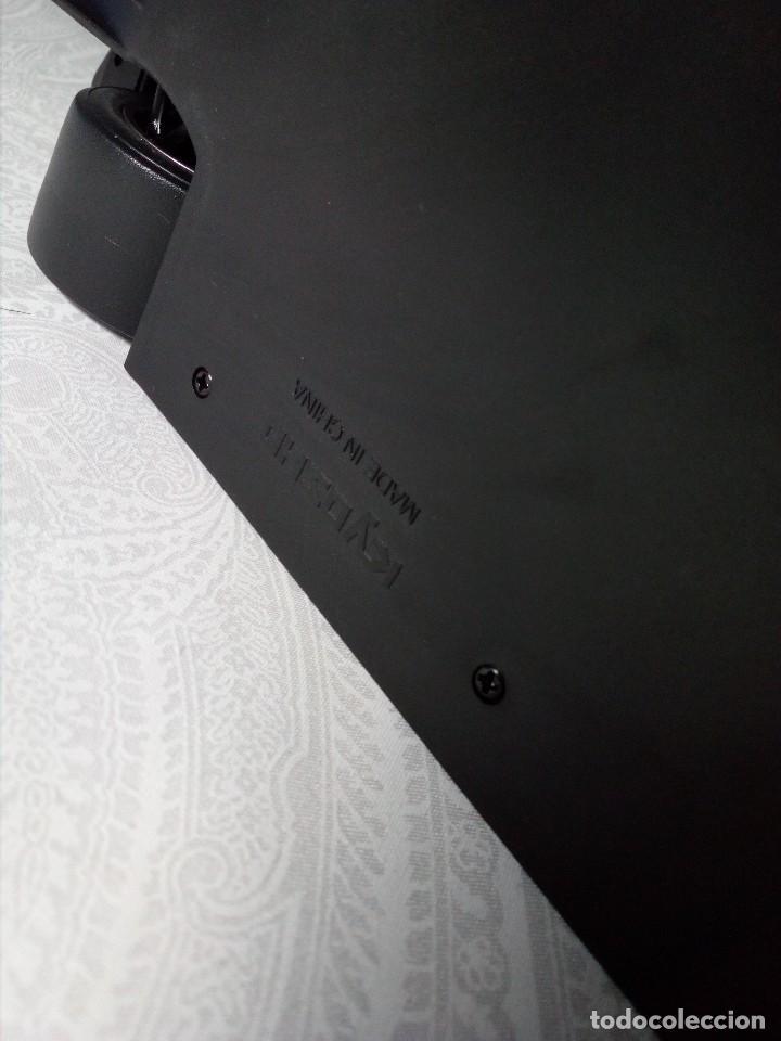 Coches a escala: COCHE BMW V12 LMR. ART CARS. DE KYOSHO AÑO 2000 1/18 (IMPECABLE) EDICIÓN LIMITADA Jenny Holzer - Foto 30 - 148860974