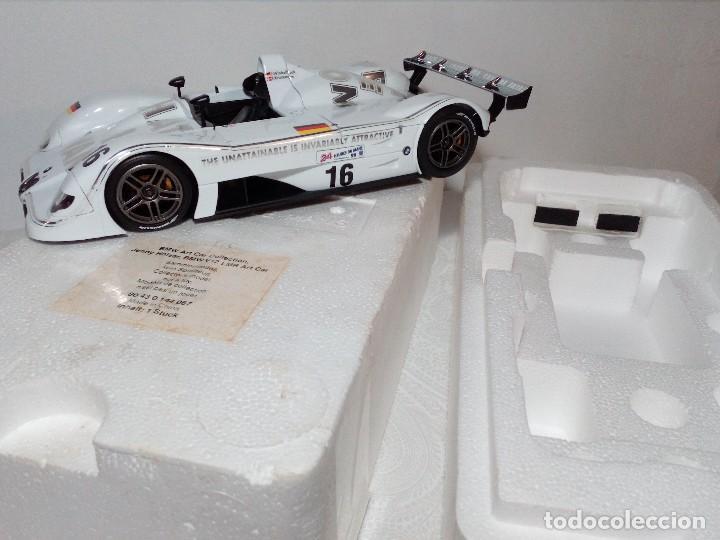 Coches a escala: COCHE BMW V12 LMR. ART CARS. DE KYOSHO AÑO 2000 1/18 (IMPECABLE) EDICIÓN LIMITADA Jenny Holzer - Foto 35 - 148860974