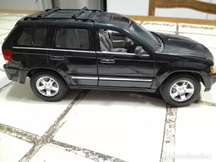 Coches a escala: Jeep Grand Cherokee Burago - Foto 2 - 150295486