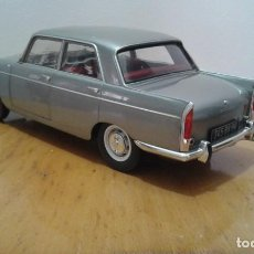 Coches a escala: PEUGEOT 404 NOREV 1:18. Lote 154430730