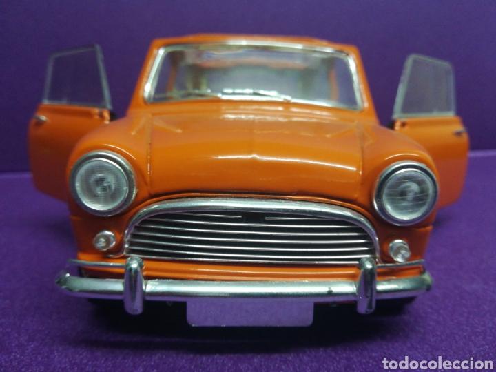 Coches a escala: Mini Cooper clásico ÚNICO 1/16 (1:18) Morris de Solido - Foto 3 - 167621962