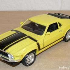 Coches a escala: ERTL COCHE FORD MUSTANG 1970 BOSS 302 1:18 SCALE 1/18 DIECAST YELLOW BLACK COLOR. Lote 169887424