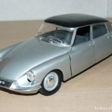 Coches a escala: SOLIDO COCHE CITROEN DS 19 AÑO 1963 SILVER 1:18 SCALE 1/18 DIECAST MODEL CAR CITROËN DS19. Lote 172016657