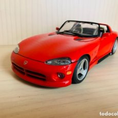 Coches a escala: DODGE VIPER RT/10 ROJO ESCALA 1:18. BURAGO. Lote 173621928