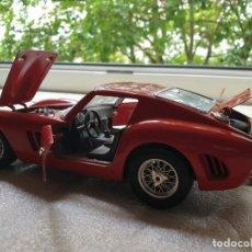 Coches a escala: FERRARI GTO 1:18 BURAGO 1962. Lote 173970369