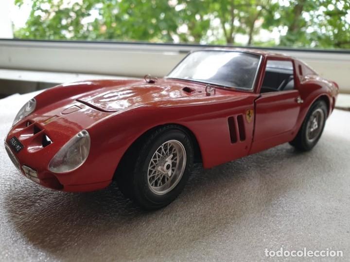 Coches a escala: Ferrari GTO 1:18 BURAGO 1962 - Foto 5 - 173970369