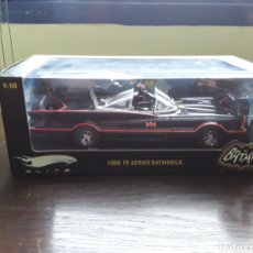 Coches a escala: 1966 TV SERIES BATMOBILE 1:18 ELITE. Lote 181399773