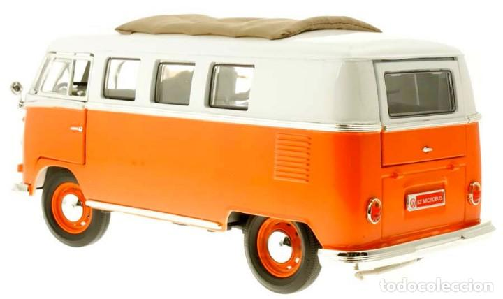 Coches a escala: Volkswagen T1 Microbus techo plegable 1962 escala 1/18 de Lucky Die Cast - Foto 4 - 194687078