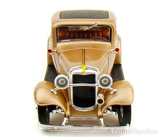 Coches a escala: Ford 3 Window Coupé 1932 escala 1/18 de Lucky Die Cast - Foto 3 - 194705353