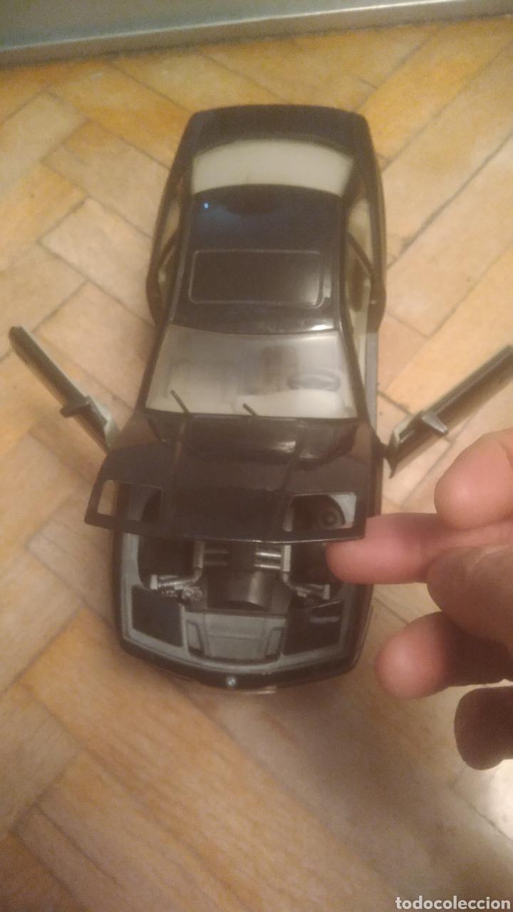 Coches a escala: BMW 850i. De Maisto. SIN JUGAR Y CON SOPORTE EXPOSITOR. MUY DIFICIL. VER FOTOS DE PUERTAS ABIERTAS. - Foto 4 - 194906406