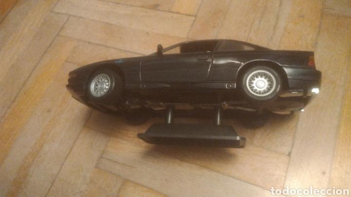 Coches a escala: BMW 850i. De Maisto. SIN JUGAR Y CON SOPORTE EXPOSITOR. MUY DIFICIL. VER FOTOS DE PUERTAS ABIERTAS. - Foto 6 - 194906406