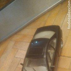 Coches a escala: BMW 850I. DE MAISTO. SIN JUGAR Y CON SOPORTE EXPOSITOR. MUY DIFICIL. VER FOTOS DE PUERTAS ABIERTAS.. Lote 194906406
