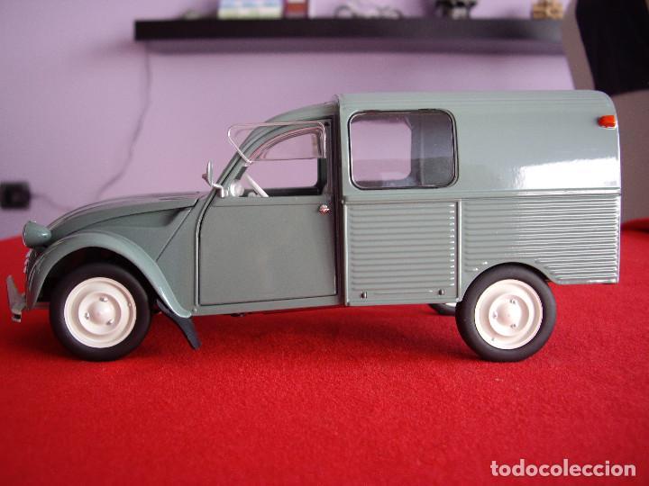 Coches a escala: citroen 2cv furgoneta 1 18 en blister - Foto 3 - 195238266