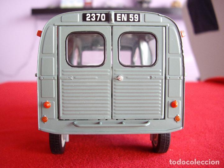 Coches a escala: citroen 2cv furgoneta 1 18 en blister - Foto 4 - 195238266
