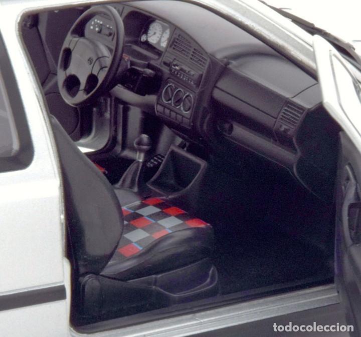 Coches a escala: Volkswagen Golf III GTI 1996 escala 1/18 de Norev - Foto 7 - 206252173