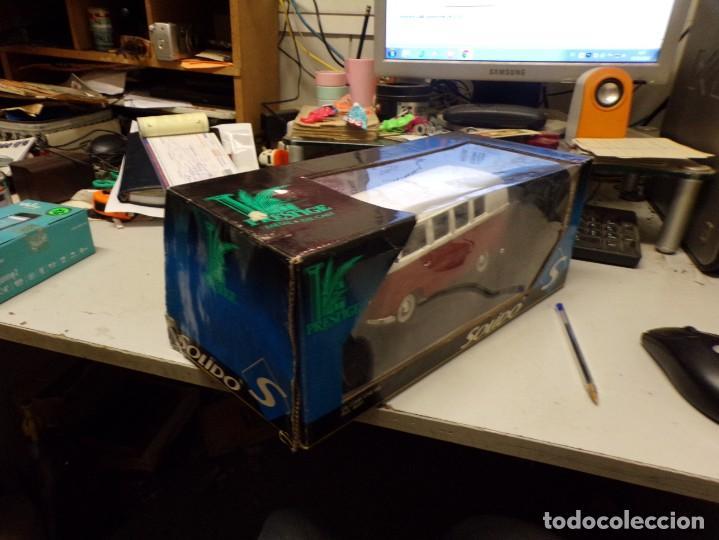 Coches a escala: preciosa furgo combi vitre 1966 v.w de solido francia en su caja , furgo perfecta - Foto 3 - 207459232