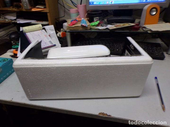 Coches a escala: preciosa furgo combi vitre 1966 v.w de solido francia en su caja , furgo perfecta - Foto 11 - 207459232