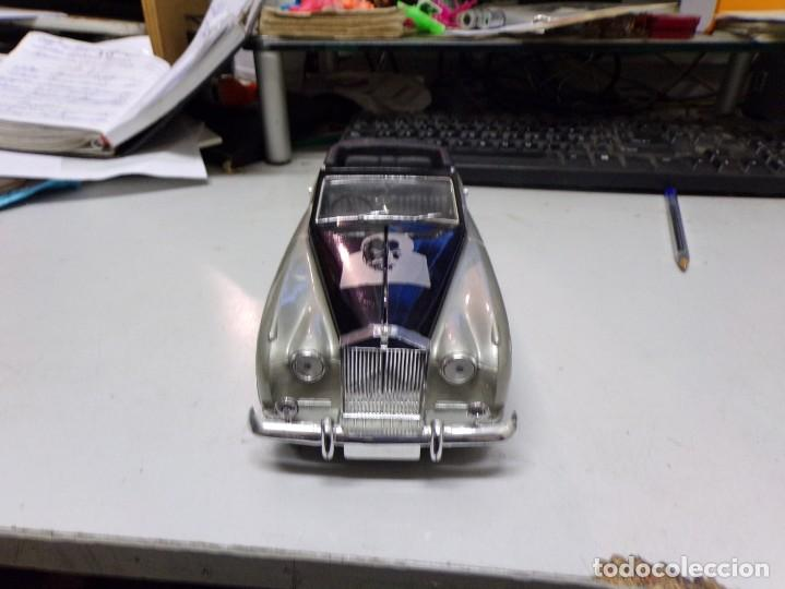 Coches a escala: coche escala 1/18 solido serie signature rolls royce 1961 orson welles con su caja - Foto 6 - 207500097