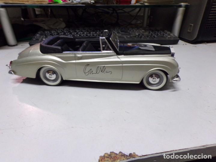 Coches a escala: coche escala 1/18 solido serie signature rolls royce 1961 orson welles con su caja - Foto 7 - 207500097