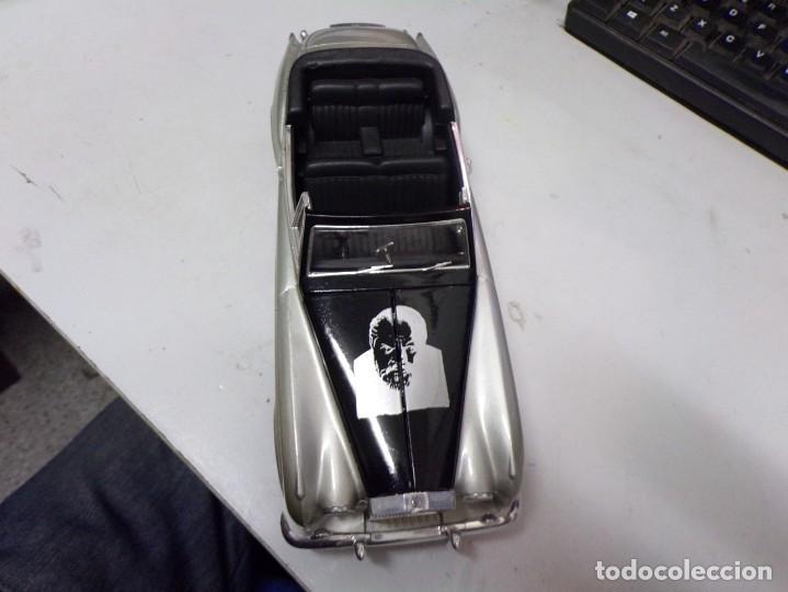 Coches a escala: coche escala 1/18 solido serie signature rolls royce 1961 orson welles con su caja - Foto 10 - 207500097