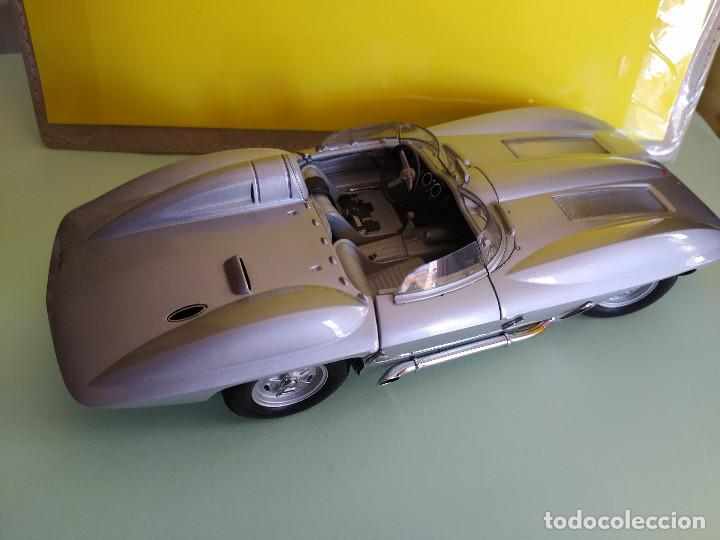 Coches a escala: AUTO ART CHEVROLET CORVETTE STINGRAY 1959 SIN RETROVISORES VER MÁS COCHES A LA VENTA - Foto 5 - 209752186