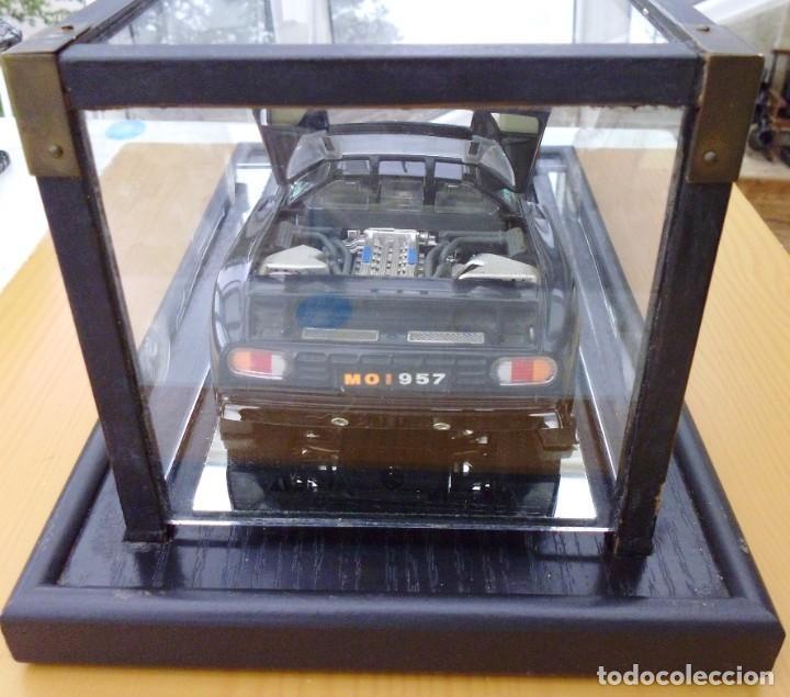 Coches a escala: Vitrina / Urna expositora de cristal y madera con choche Bugatti CEB. Escala 1/18. Burago año 1991 - Foto 11 - 209777240