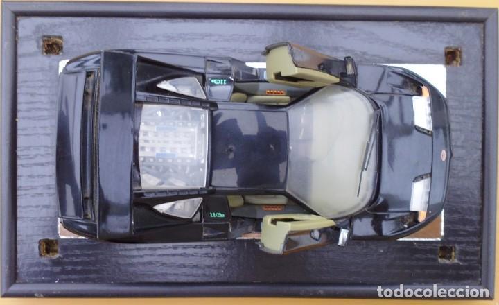 Coches a escala: Vitrina / Urna expositora de cristal y madera con choche Bugatti CEB. Escala 1/18. Burago año 1991 - Foto 12 - 209777240