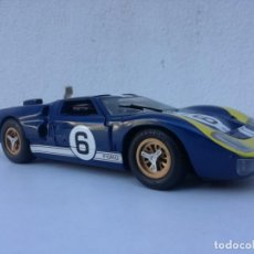 Auto in scala: 1/18 UNIVERSAL HOBBIES FORD GT 40. Lote 222903810