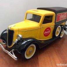 Carros em escala: PRECIOSO COCHE FORD V8 COCACOLA SOLIDO 1:19. Lote 226744640