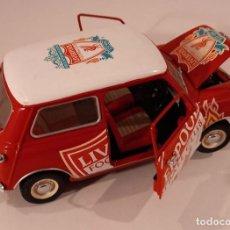Auto in scala: MORRIS MINI COOPER, DE KYOSHO, 1/18, FALTA UNA RUEDA, METAL, ENVIO 4,80 EUROS. Lote 246224685