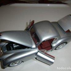 Carros em escala: JAGUAR XK120 DEL AÑO 1949 - SIGNATURE - ESCALA 1:18 - FALTAN ALGUNOS EMBELLECEDORES. Lote 251636280