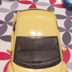 Coches a escala: VOLKSWAGEN NEW BEETLE 1998 ESCALA 1/18 BURAGO. Lote 257549400