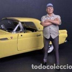 Coches a escala: FIGURA THE WEEKEND CAR SHOW Nº 2 ESCALA 1/18 DE AMERICAN DIORAMA. Lote 262991780