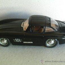 Coches a escala: BURAGO ------ MERCEDES 300 SL 1954 1/24. Lote 25534037
