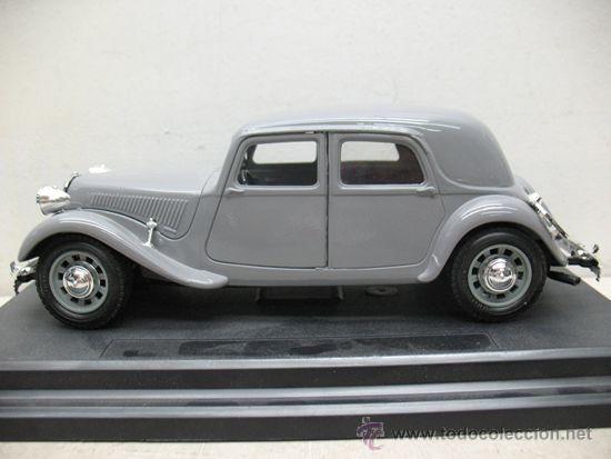 Coches a escala: BURAGO CITROEN 15CV -TA 1938 -METAL -ESCALA 1/24 - Foto 3 - 38840801