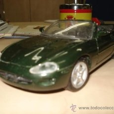 Coches a escala: JAGUAR XK8 1/ 24. Lote 39069883