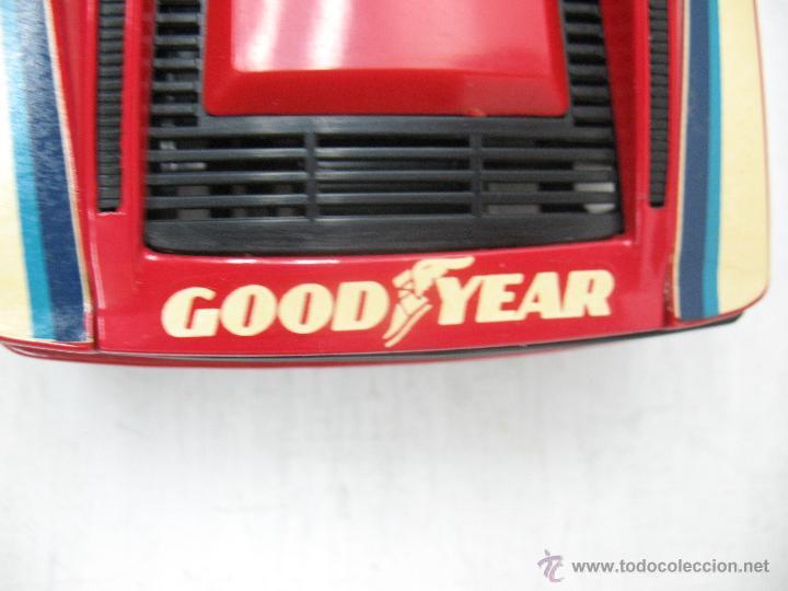 Coches a escala: Revell - Coche Ferrari Testarossa 4 1988 Metalkit Good Year - Escala 1:24 - Foto 7 - 42247673