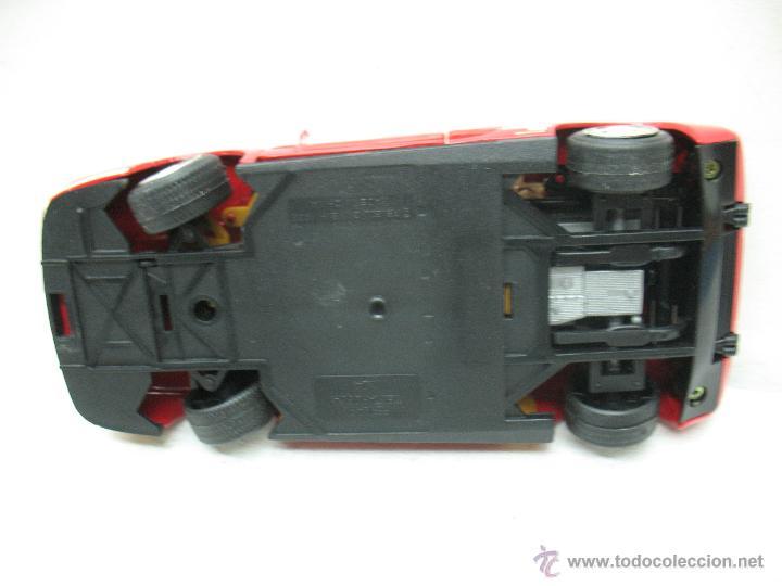 Coches a escala: Revell - Coche Ferrari Testarossa 4 1988 Metalkit Good Year - Escala 1:24 - Foto 10 - 42247673
